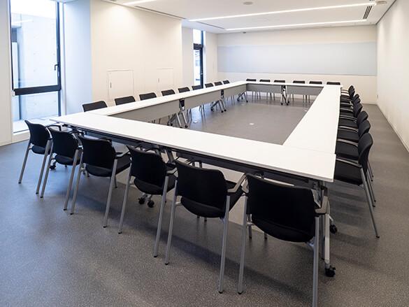 会議室1B